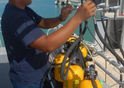 Technical check of scuba tanks - Topdive Polynesia