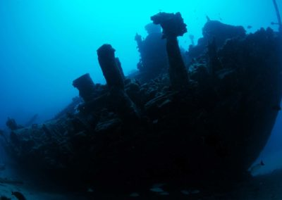 Tahiti-The 3-wrecks